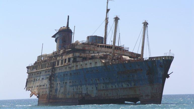 Las  historias de barcos fantasmas que te harán pensarlo dos veces antes de aventurarte a navegar en el mar