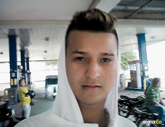 Gilberto de Jesús Martínez Lara, de 18 años, fue asesinado de un tiro en la cabeza a las 7:30 de la mañana del domingo. | AL DÍA