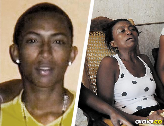 Ligia Mendoza Varón (derecha), madre de Jader, llora desconsoladamente en la sala de su casa en La Esmeralda. | AL DÍA