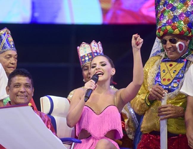 Con la Lectura del Bando, la reina Marcela García Caballero, decretó el inicio del Carnaval 2016