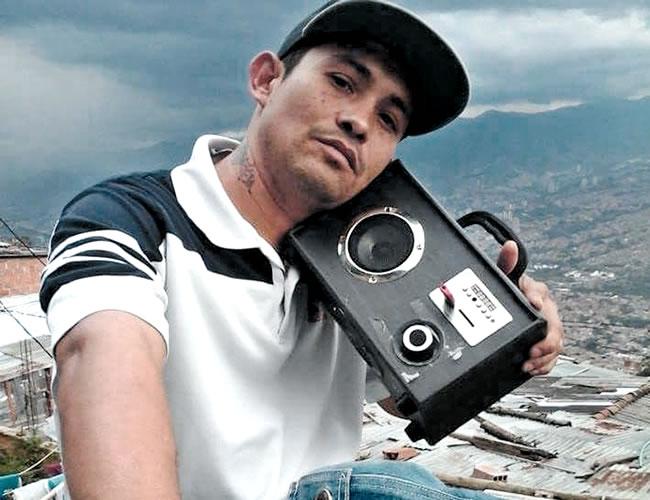 Rubén Arango Pardo se ganaba la vida cantando en buses y busetas. Recientemente había estado en Medellín   Foto: Cortesía