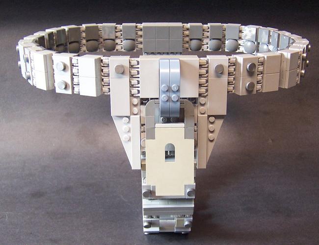 Una de las cosas que no sabes, seguramente, es que hay un cinturón de castidad hecho de Legos.   Foto: Monsterbrick Lego