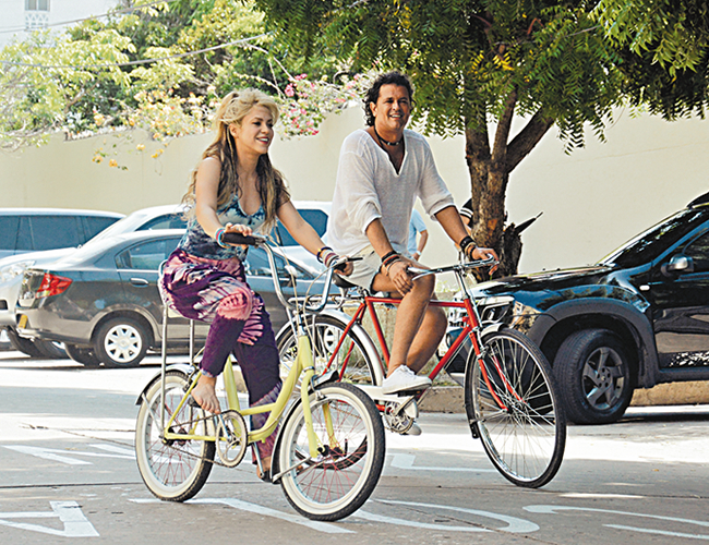 Carlos Vives y Shakira presentaron este viernes a nivel internacional el video de su colaboración 'La Bicicleta'. | Foto: El Heraldo