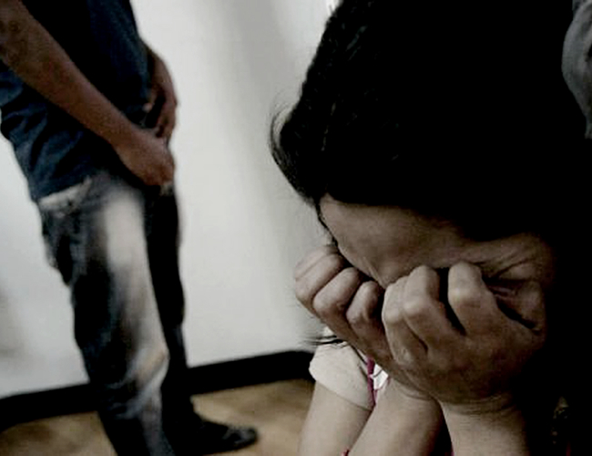 La menor se fue a vivir con su papá a los 13 años. Dos años después las autoridades lo acusan por acceso carnal abusivo con menor de 14 años agravado.   Traslasierra Noticias