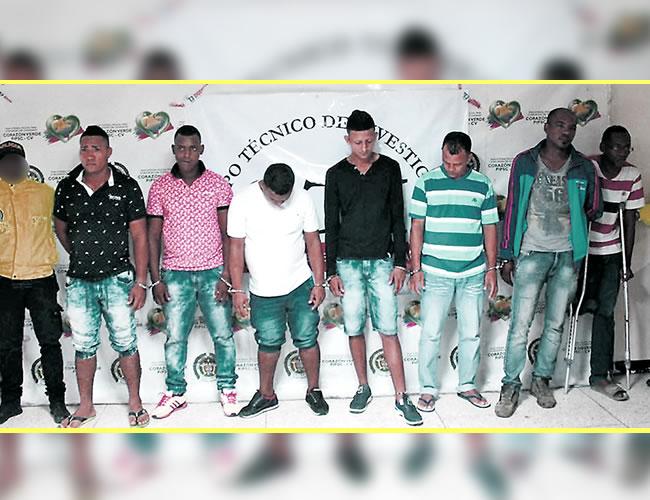 Este es el grupo de sujetos capturados ayer por la Sijín y el CTI, sindicados de homicidio, tortura y desaparición forzada | Foto: Al Día