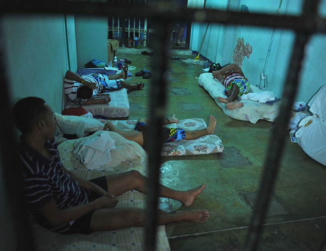 Los internos están tan desesperados por recibir los medicamentos que hasta amenazaron con esparcir la enfermedad.   Foto: defensoria.gov.co