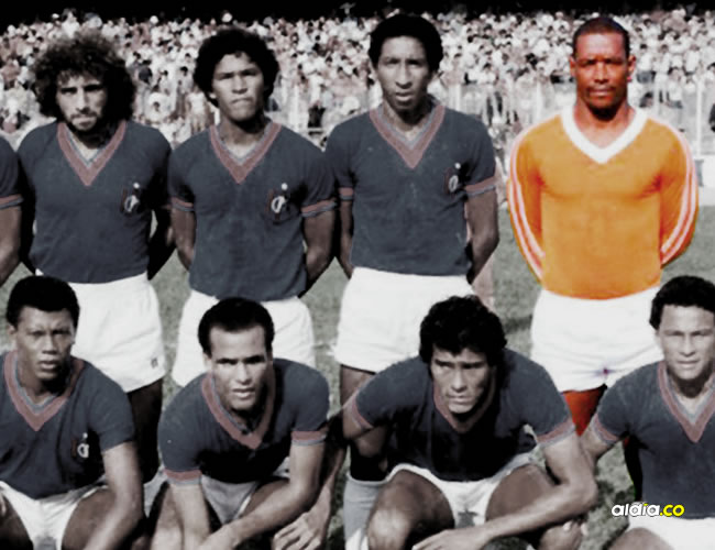 En los años 70 Maximiliano Robles (Uniforme naranja) se destacó como portero en el Unión Magdalena. Sus años de gloria lo hacen hoy un recordado deportista del departamento. | ALDIA.CO