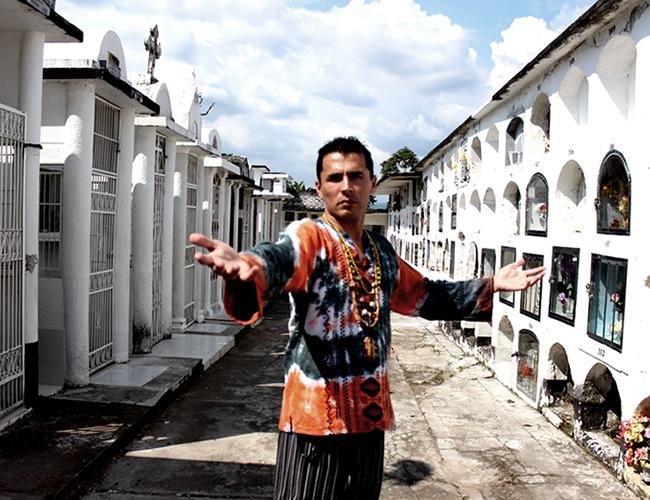 Víctor Damián Rozo Villareal lidera el primer templo de adoración a Lucifer en Colombia   Foto: Blog Macumbayvudub