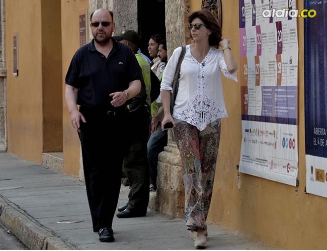 La canciller María Ángela Holguín estuvo atenta cuadrando detalles del almuerzo |  Lorena Henríquez