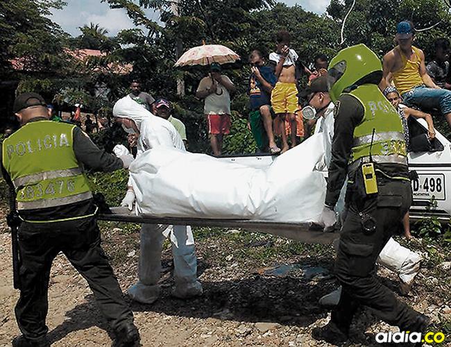 Las autoridades siguen investigando el horrendo caso de los cuerpos que se encontraron en una trocha en el barrio Henequén, en el sector conocido como 'Tanga Mojá'. | AL DÍA