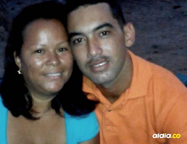 Liliana Arias y Alex Navarro, la pareja que perdió la vida. Testigo aseguran que no llevaban casco | Al Día