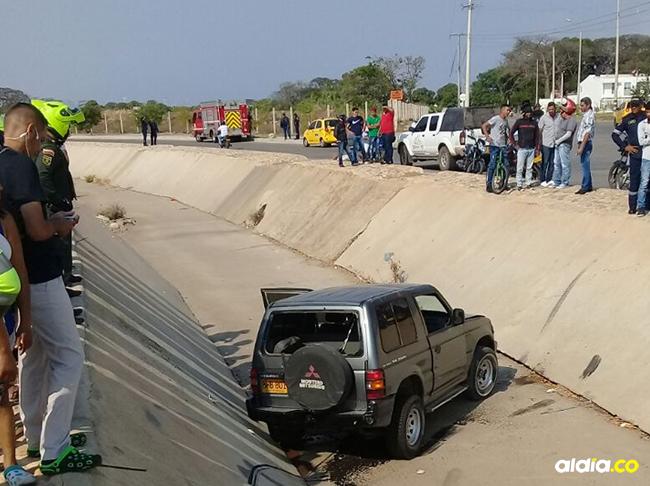 El conductor de la camioneta fue atendido en una ambulancia. | Al Día