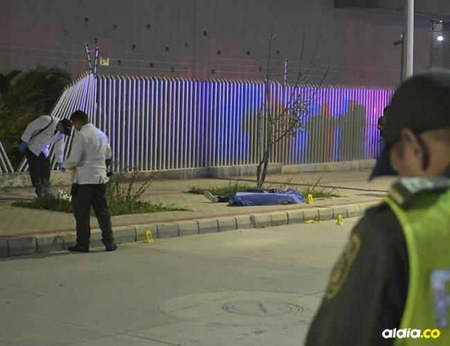 Testigos aseguraron anoche que la víctima fue rematada por los ocupantes de una camioneta. | Al Día