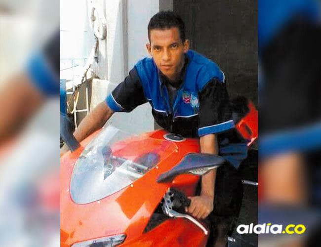 Luis Antonio Julio Genes, de 25 años, se encontraba departiendo con su hermano y un cuñado  | Al Día
