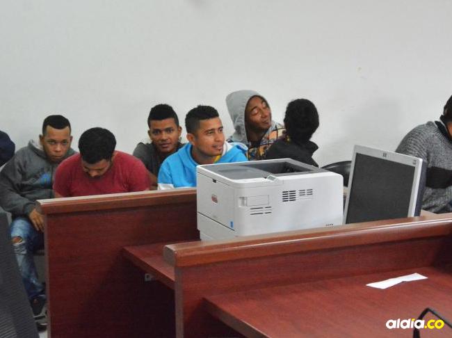 Los presuntos 'Calabazos' en la sala de audiencia. | Al Día