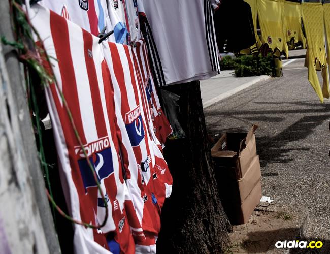 La venta de camisas disminuyó tras las derrotas ante Flamengo y América de Cali Luis Felipe De la Hoz y Jhonny Olivares