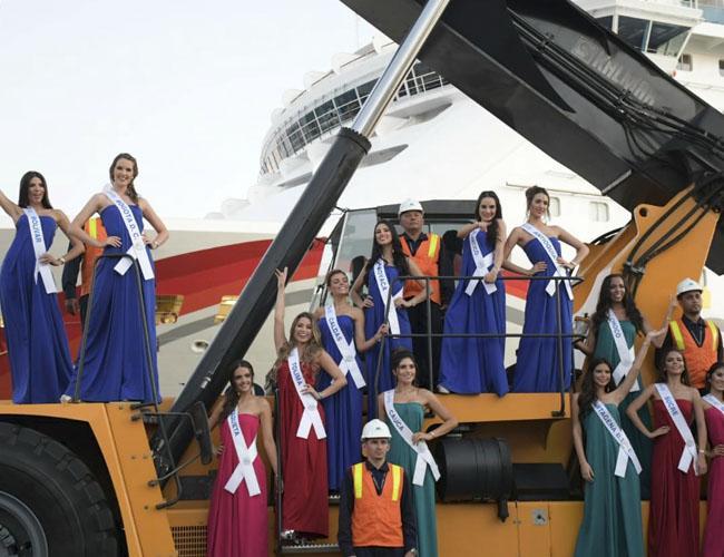 Ayer las soberanas nacionales visitaron la sede del Puerto de Cartagena, en donde se robaron el show con su belleza.