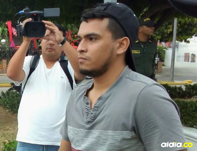 Maicol Cano, realizó trabajo comunitario sobre La Fuente. | Al Día