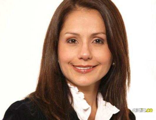 La columnista Claudia Morales   Radionica.