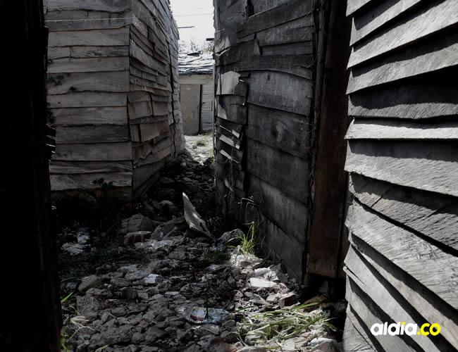 El cuerpo dejó un rastro de sangre fresca que va de la puerta de una casa hasta el lugar del hallazgo | Archivo