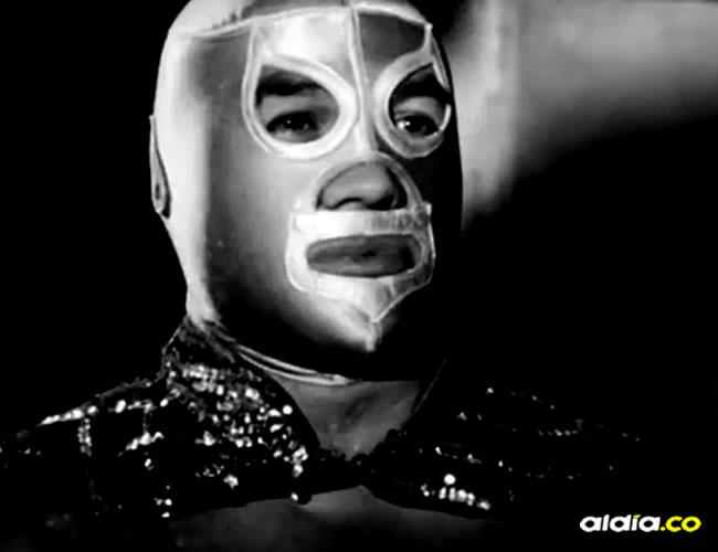El mexicano que se convirtió en icono de la lucha libre y la actuación   Captura de YouTube