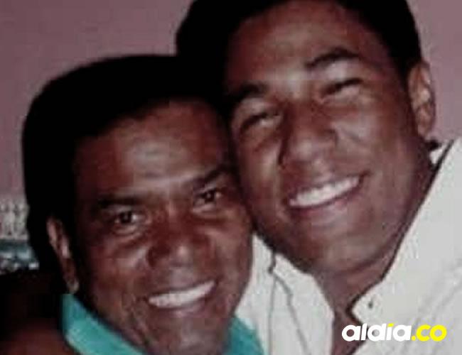 Miguel Morales y su hijo, el fallecido Kaleth Morales   Archivo