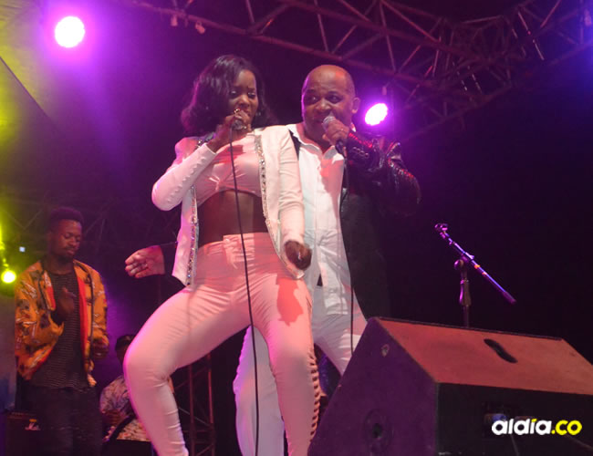 El cantautor camerunés Ben Decca aún sigue trepado en las tarimas interpretando sus éxitos.    AL DÍA