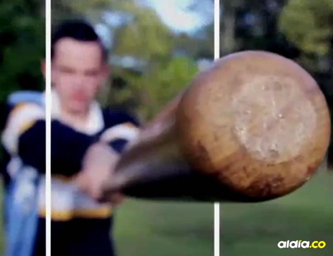 El GIF del joven beisbolista viene acompañado de un mensaje que dice que es el primero en 4D, pero esta afirmación no es cierta | GIPHY