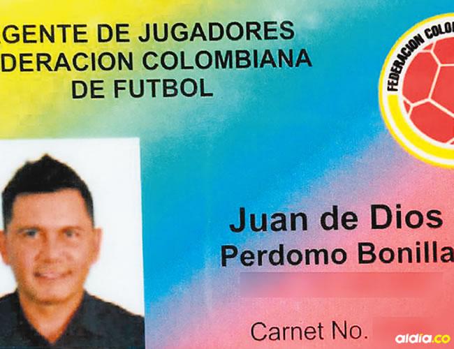 Juan de Dios Perdomo portaba este carnet que lo identifica como agente de jugadores de la FCF. Resultó ser falso. | Al Día