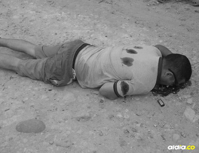 La víctima recibió los impactos de arma de fuego en la espalda en momentos en que se desplazaba a pie hacia Arroyo Hondo. | Al Día