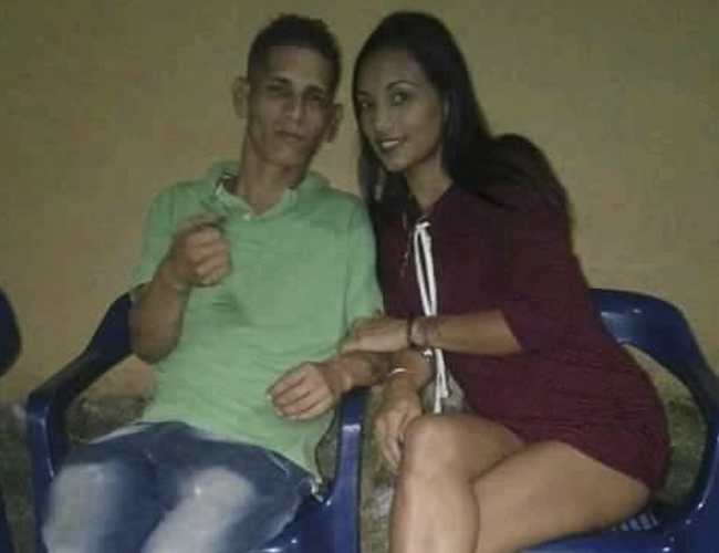 Saín José Gómez Rodríguez con Karen Natalia Vargas.