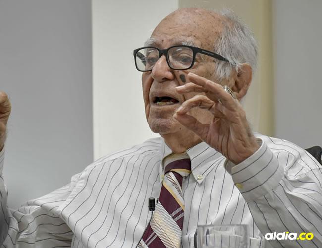 Rafael Campo Miranda es un compositor colombiano nacido el 7 de agosto de 1918 en Soledad (Atlántico).   Al Día