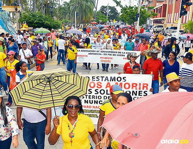 los trabajadores del Estado acataron la orden de paro programada por las centrales obreras a nivel nacional este martes | Al Día