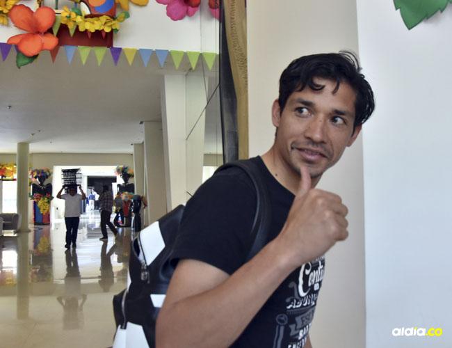 Matías Fernández estuvo durante todo el día de ayer realizándose los exámenes médicos con Junior.