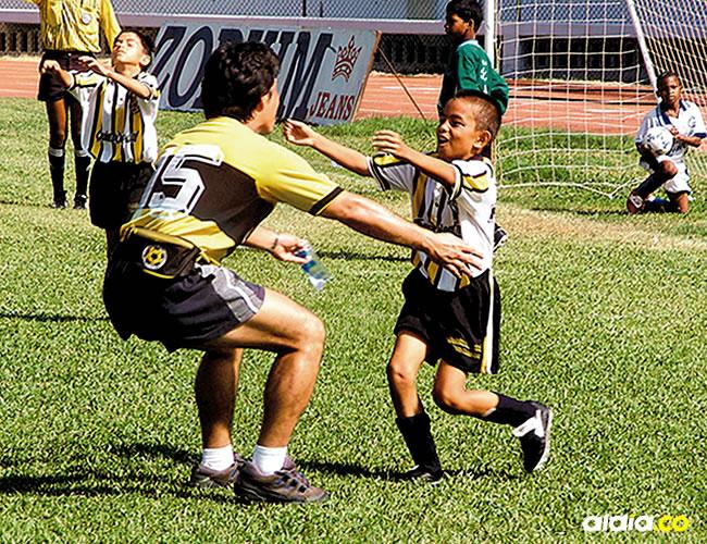Otro de los mitos del fútbol aficionado es la estatura del jugador, la cual se puede compensar con su talento.   Al Día