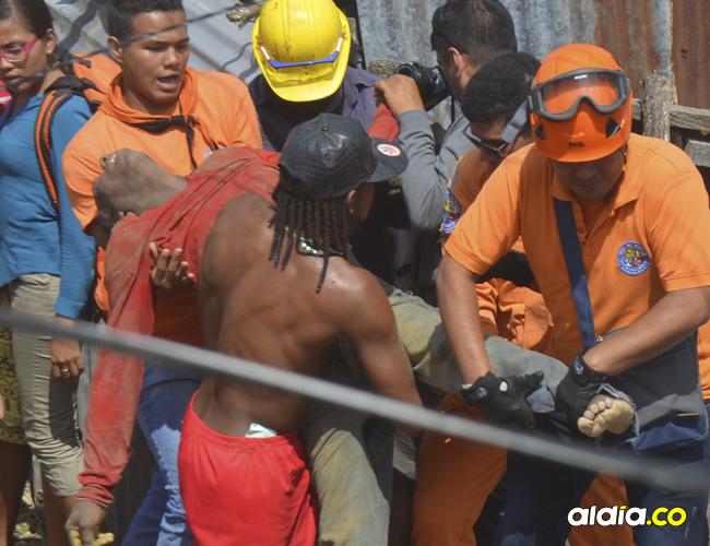 El rescate del cuerpo tardó más de una hora y cuando lo lograron ya era tarde.