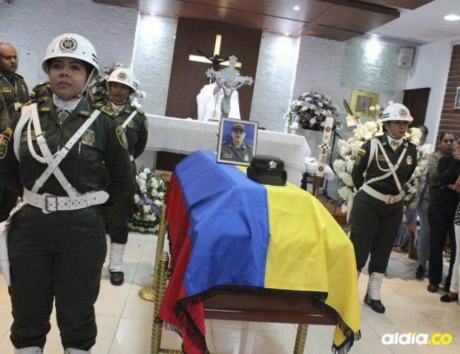 En la capilla de la Policía Metropolitana de Santa Marta se le rindió un homenaje a la patrullera Érica Patricia Díaz Fandiño, de 28 años.