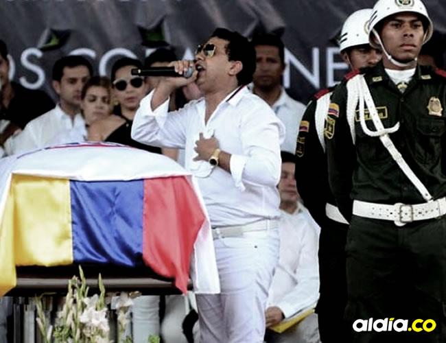 El hermano mayor de Martín Elías, Rafael Santos, se desplomó en medio del velorio | Néstor De Ávila