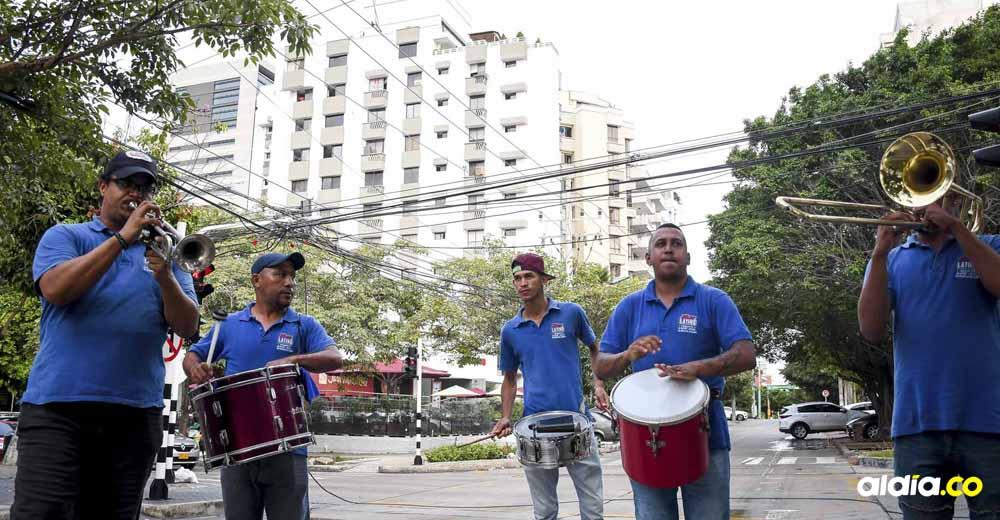 Grupos musicales en las calles de Barranquilla.   Al Día