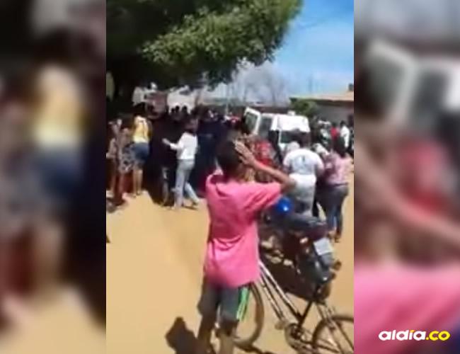 De acuerdo con el reporte de la Policía Militar, 40 personas, entre niños y adultos, fueron llevados a centros asistenciales para ser atendidos tras el aberrante suceso | Captura de pantalla YouTube