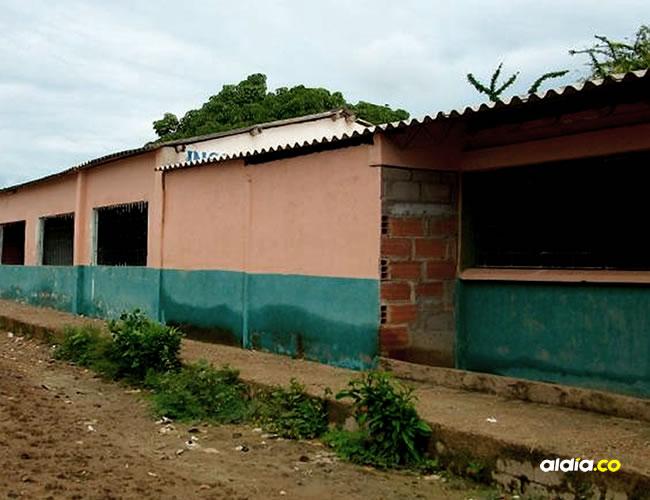 Cerca de esta institución educativa de El Yucal, jurisdicción del municipio de Calamar, se consumó lo que sería la violación de la menor que cursa sexto grado.