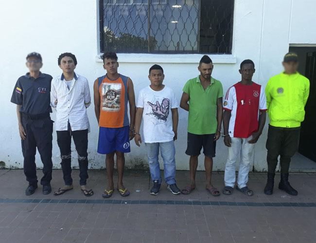 Sergio Sierra Luna,  César Mercado De la Cruz, Edier Algarín Cueto, Óscar Miranda Galcerán y Virgilio Herrera fueron sindicados de violar a una niña de 3 años en San Luis, Tenerife.