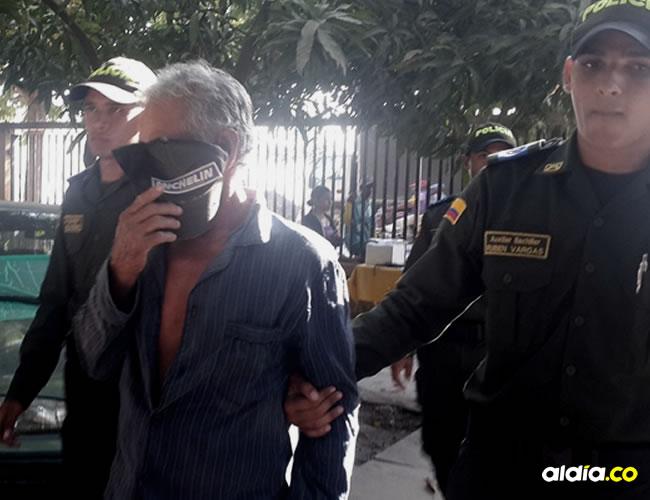 Momento en el que el capturado era conducido a las instalaciones de la Fiscalía para su judicialización