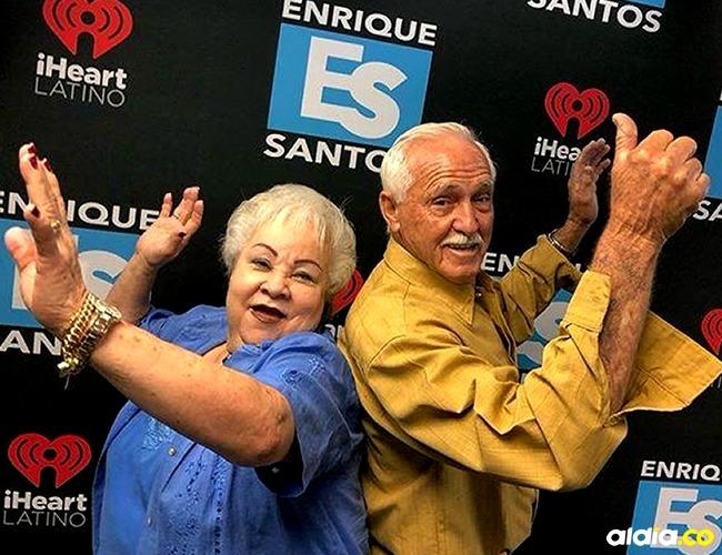 Celina y Filiberto los abuelos de Ganas con canas.