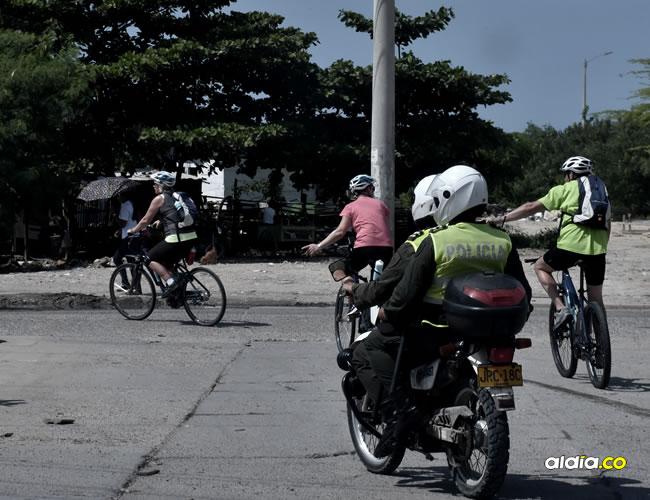 Los turistas decidieron conocer los barrios de la ciudad y fueron escoltados por la Policía   Javier García