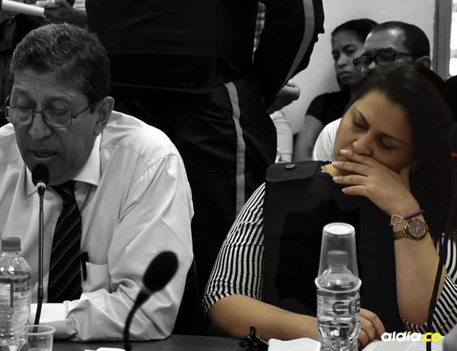 Dayana Jassir durante la audiencia y a su lado el exmagistrado Julio jito Palma | ALDÍA