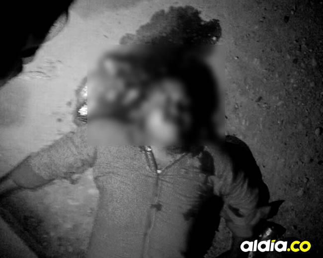 El cuerpo de Sergio del Carmen Ramírez quedó tendido en el establecimiento | Cortesía