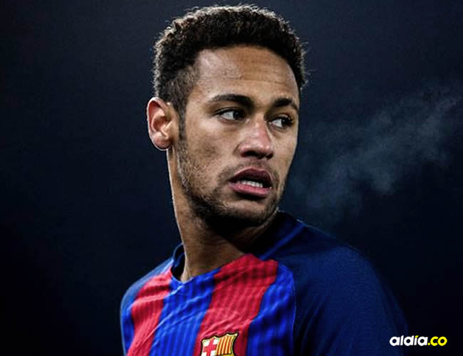 Neymar llegó con gesto serio y con 15 minutos de retraso sobre la hora prevista   Cortesía