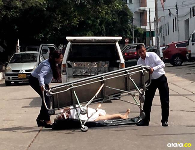 Se presume que la camilla en la que iba el cuerpo no estaba lo suficientemente ajustada a la carroza   ALDÍA