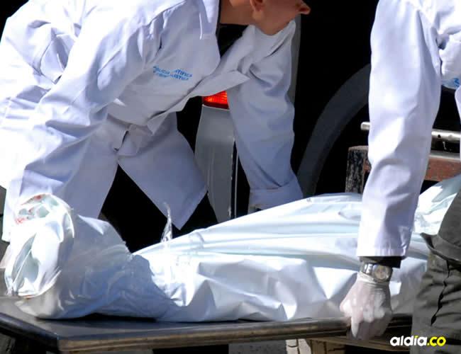 El cuerpo de Juan Carlos Martínez Acosta, de 42 años, quedó en la hamaca bañado en sangre | Cortesía